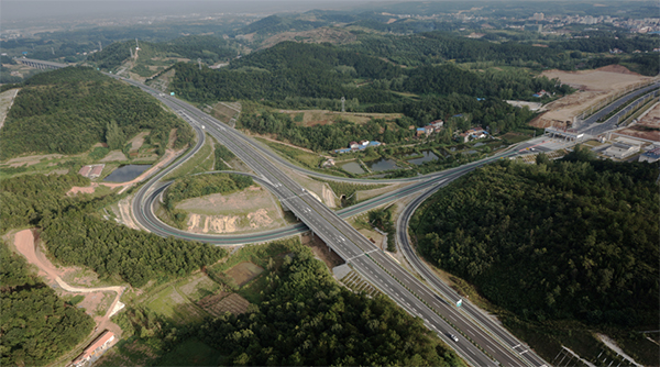 麻城至竹溪高速公路宜城至保康段