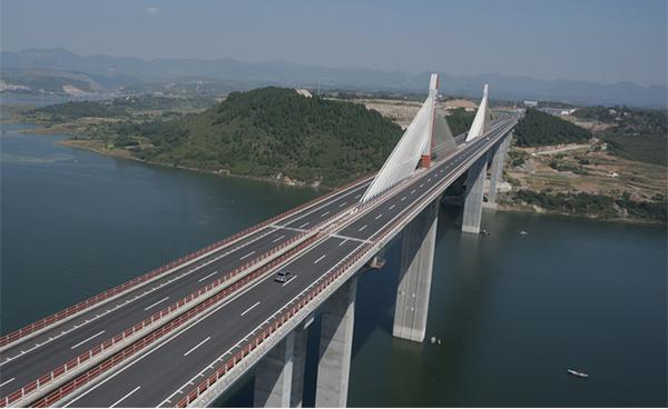 湖北省郧县(鄂豫省界)至十堰高速公路