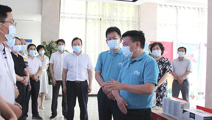 龙传华调研督导鄂西北项目群建设并慰问一线干部职工